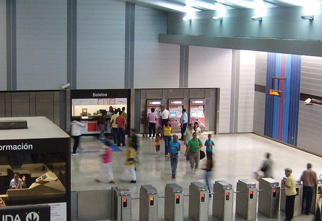 estacion-coche-metro-caracas_1